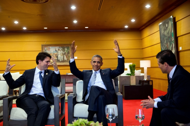 President Barack Obama talks with Prime Minister Justin Trudeau of Canada and President Enrique Peña Nieto of Mexico prior to the 2015 APEC Summit