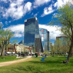 1456px-Regina_Saskatchewan_(towers)